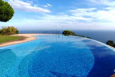 Дом на первой линии моря с великолепными видами на побережье Коста Брава